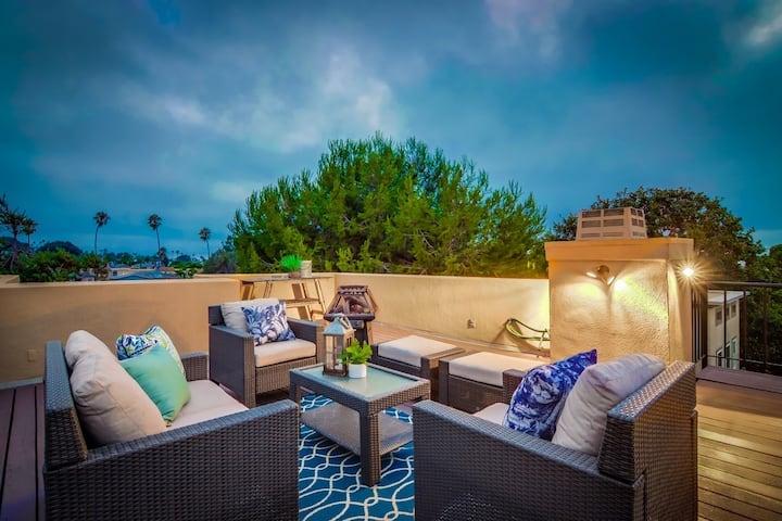 Ocean Beach Villa 360 view & large deck w jacuzzi