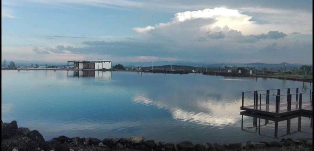 Casa Del Lago,  especial para trabajar y relajarse