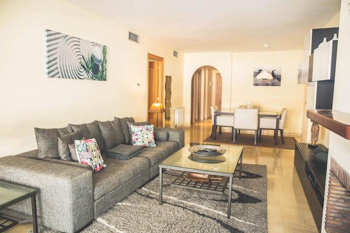 Espacioso apartamento en Guadalmina - Marbella