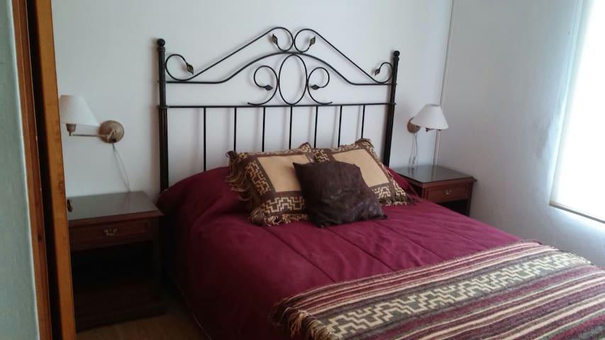 2 dormitorios, max 5 p, baño privado. - Puerto Madryn - Aamiaismajoitus
