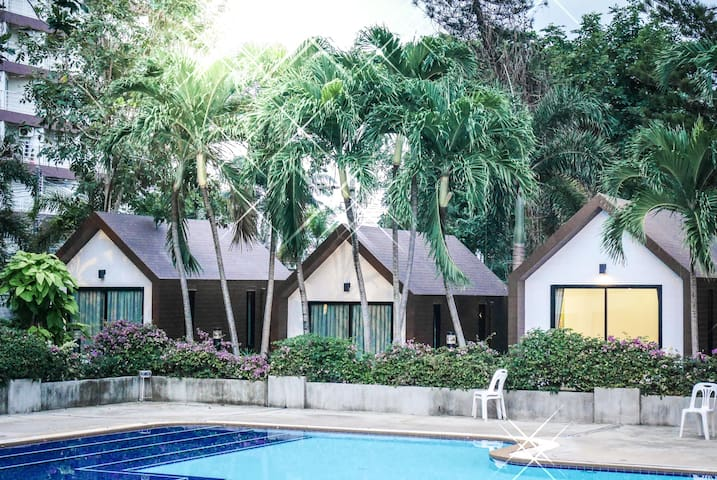 Villa Hut