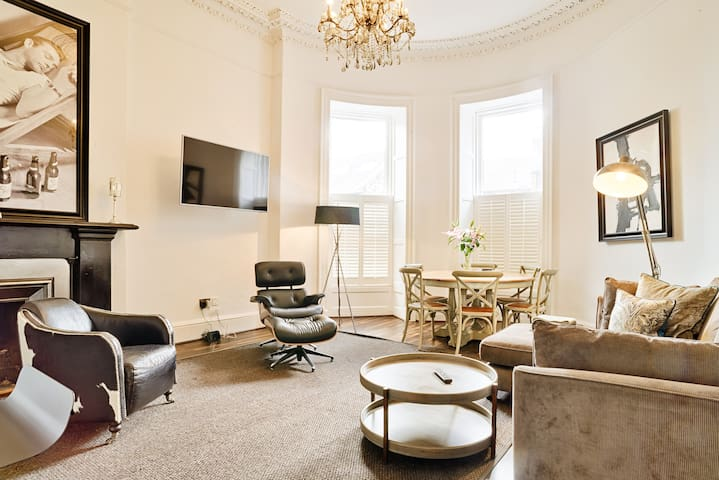 Luxury George Street Apartments: Edinburgh Suite (3-bed)
