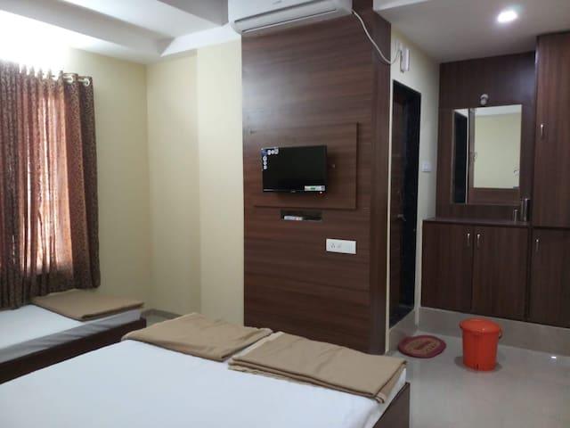 Hotel Shrinivasini Yatri Niwas Semi Deluxe Non Ac