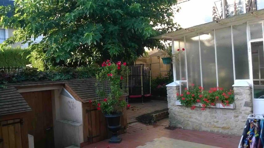 Maison de bourg tres charmante