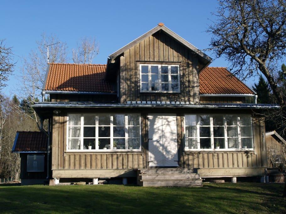 Bostadshuset med glasveranda