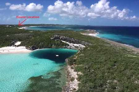 Off grid tiny home at Dean's Blue Hole