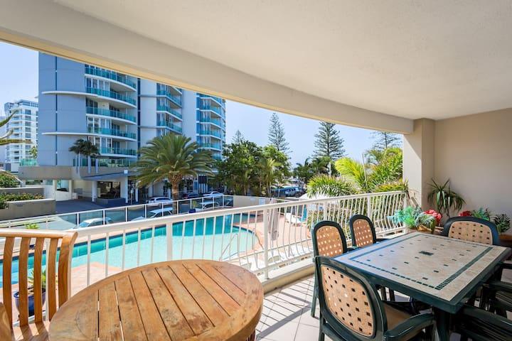 Kirra Beach Apartments - 1 Bedroom - 3 Night +