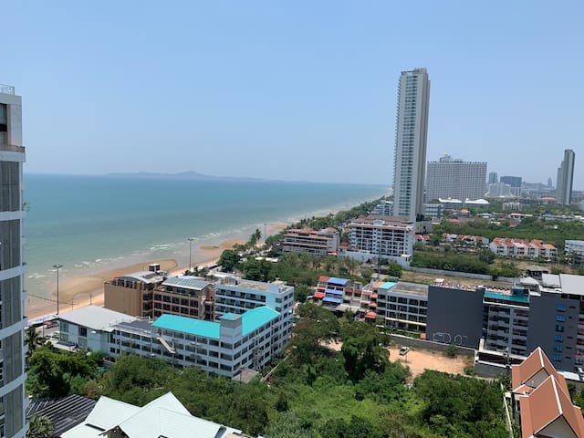 2. Aeras  Jomtien Beach 100 Meters to Sea