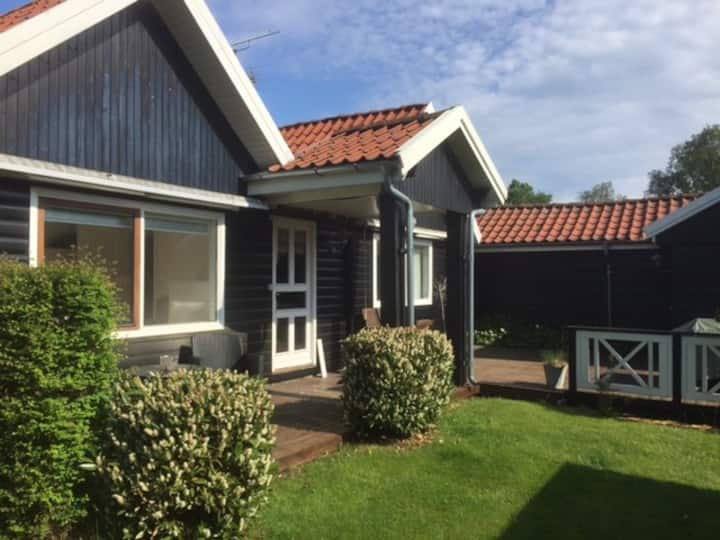 Charmerende og moderne sommerhus i Nordsjælland