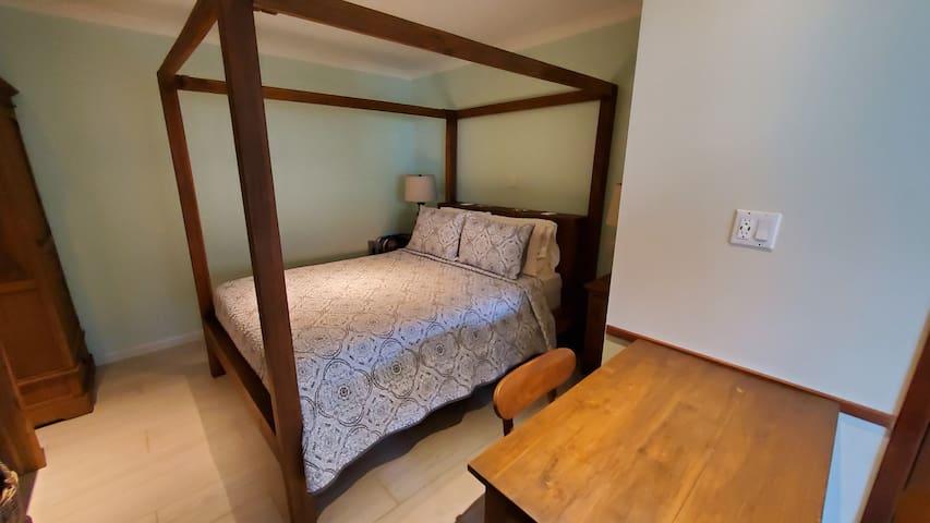 Queen size teak bed