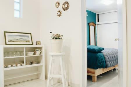 Tiny, nice room <3 - Мехико