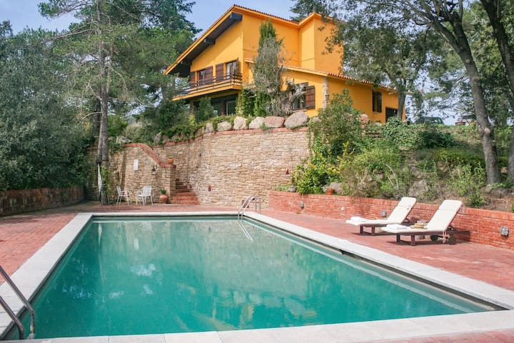 Splendid Villa in Sant Quirze Safaja with Private Pool