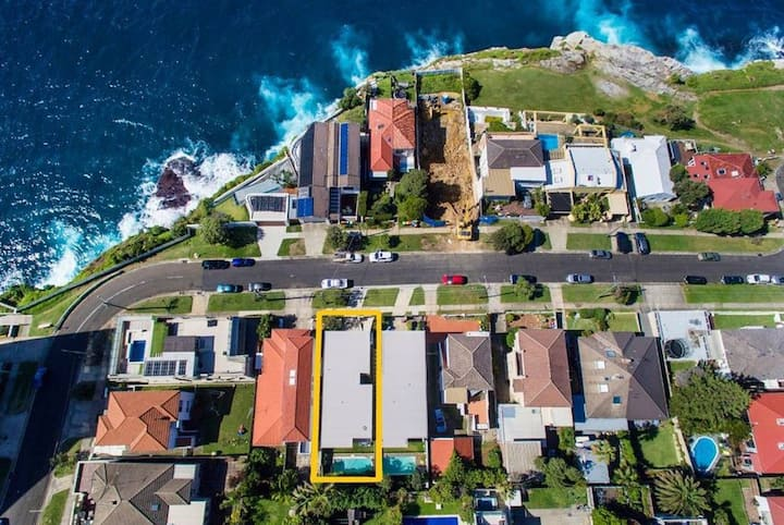 THE OCEANIC: VAUCLUSE