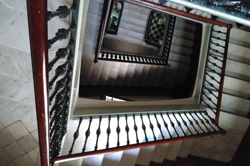 escaleras edificio / stairs edificio