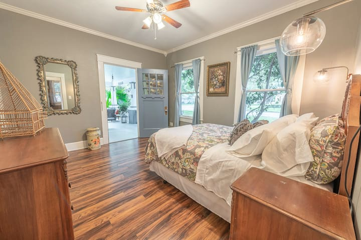 Front Bedroom with front porch access.  Queen Bed.