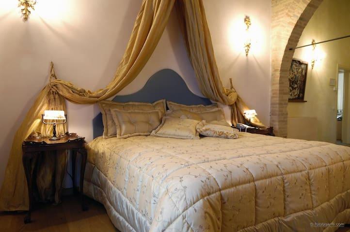 Relais Villa Roncuzzi - Deluxe Room 3