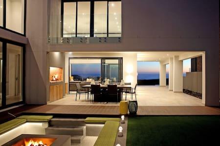 Tranquility Yzerfontein - Luxury Beachfront Villa