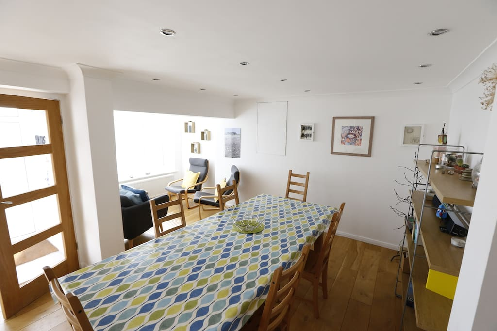 Chill-out/Dining Area of Beach Retreat - Holiday Lets In Kent - Broadstairs