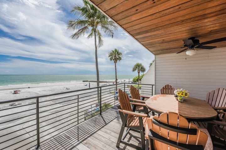 Luxury 4 bedroom 4 bath Beachfront Home
