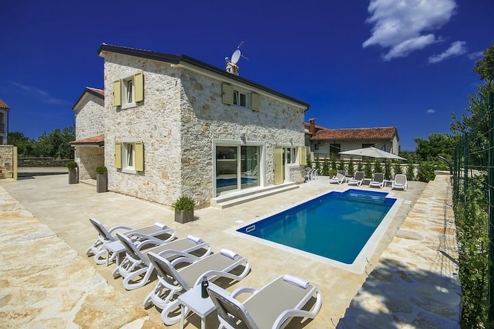 Beautiful stone villa Emma with pool