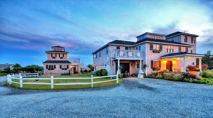 Private Estate w/Guest House, walk to South Beach