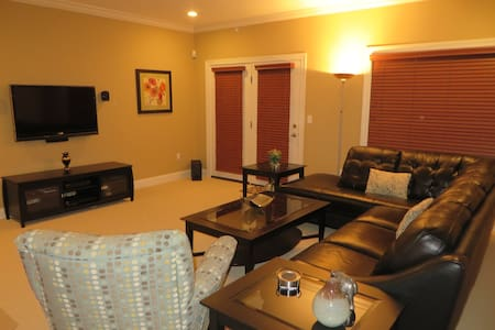 Luxury & Convenience in Southport - Fairfield - Kondominium