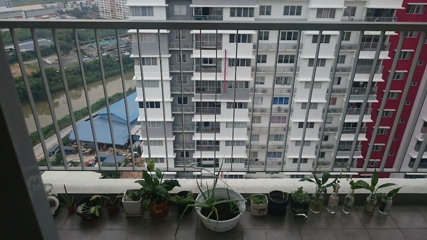 Cozy Medium Room at Puchong - Puchong - Condo