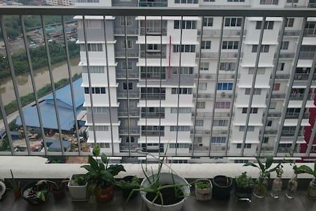 Cozy Medium Room at Puchong - Puchong - Appartement en résidence
