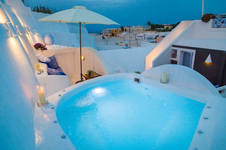 Lydia Luxury Villa with Jacuzzi