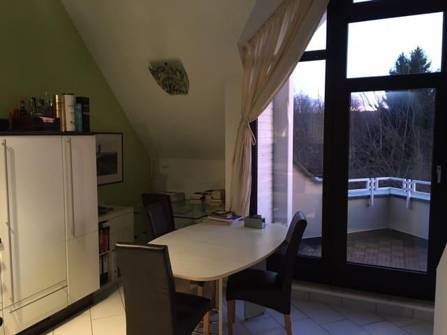 2,5 Zimmer Maisonett mit KAMIN - Stuttgart - Huoneisto