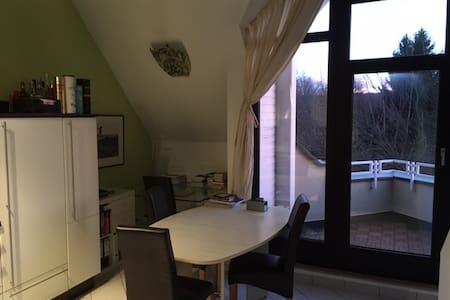 2,5 Zimmer Maisonett mit KAMIN - Stuttgart