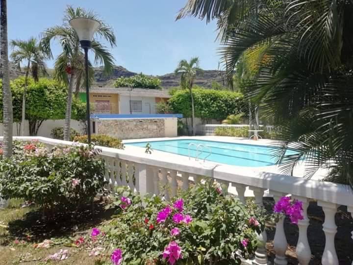 Fresca Casa en Honda Tolima Aire Ac piscina BBQ