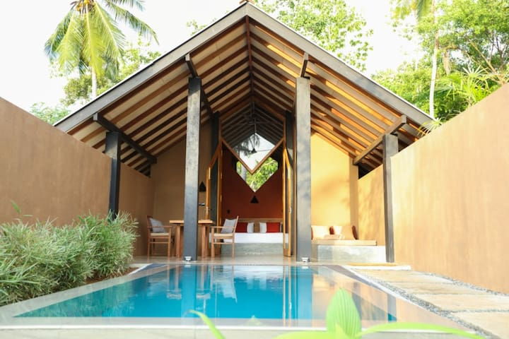 NISALA; a quiet retreat near the sea - Hikkaduwa - Villa