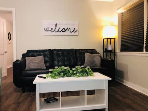 Little Country Inn the City  **no cleaning fee**