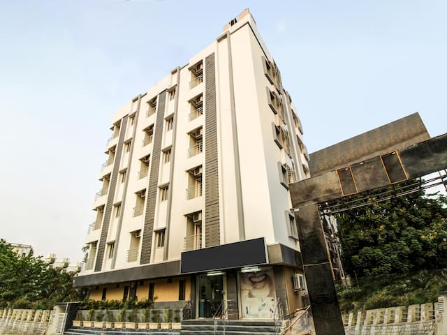 OYO - Wooden-Furnished 1RK Homestay in Hyderabad - Lowest Priced!