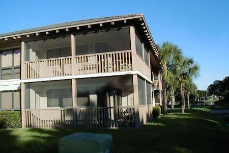 BEAUTIFUL GOLF VILLA - Palm Beach Gardens - Appartement en résidence