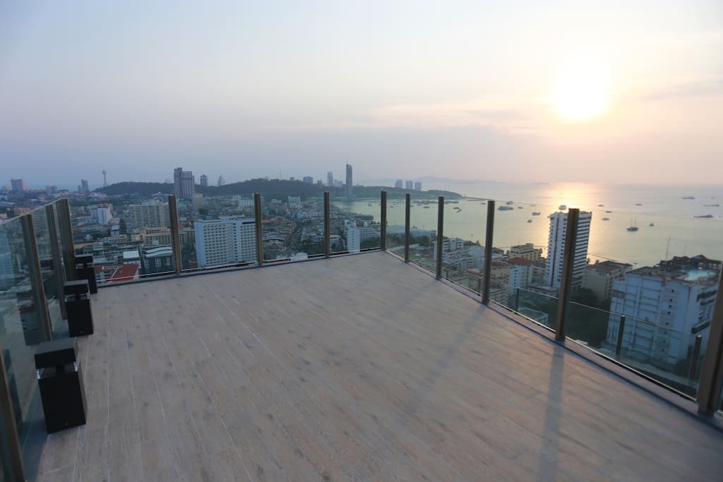 Panoramic Deck