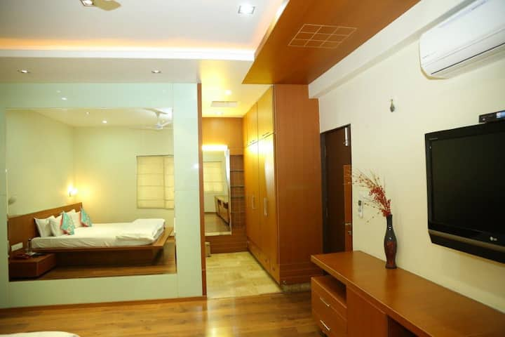 Madhapur Area - Modern 2BHK Entire home