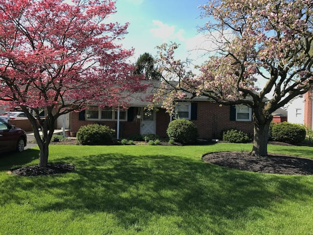 Quiet Residential Home - Chambersburg - House