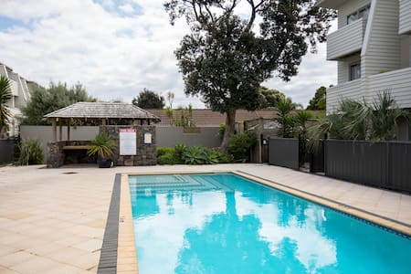 Orewa beach family apartment