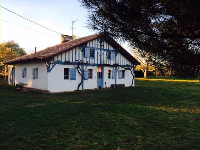 Maison landaise pleine de charme - Laluque - Talo