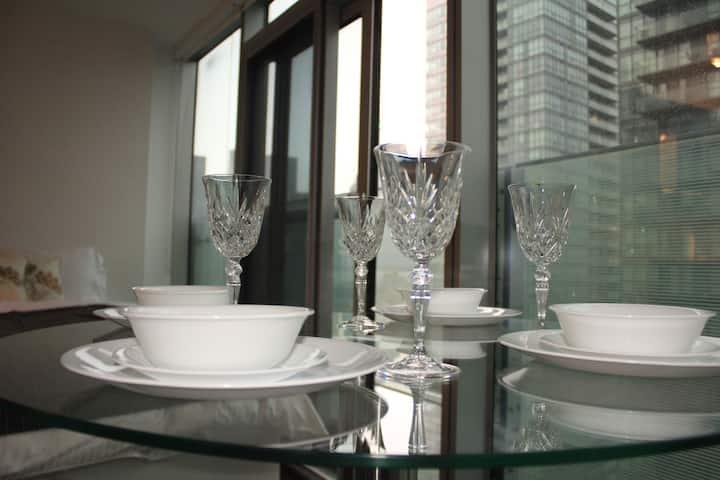 Luxury bright Ice Condo Studio - East View
