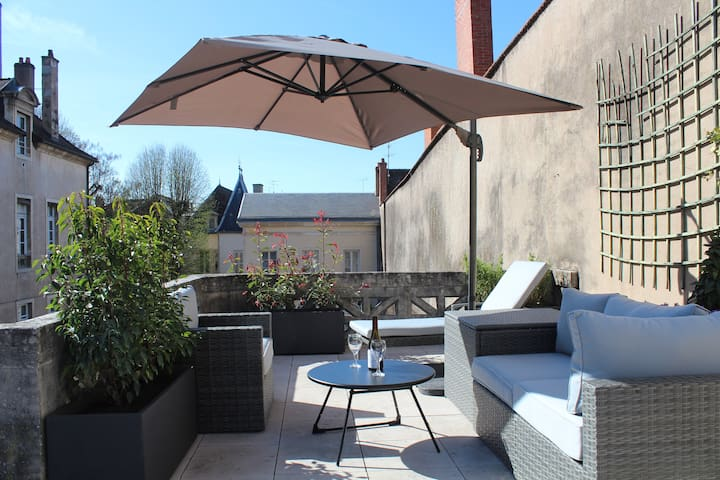 Loft with private rooftop and parking. - Dijon - Casa