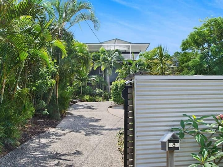 Pet friendly Peregian Beach Home with a View