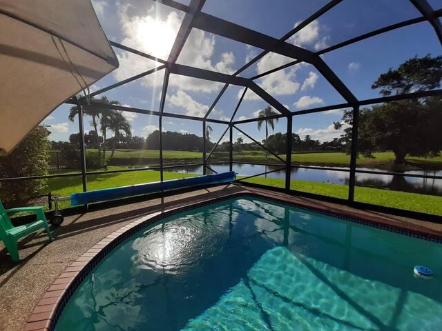 Golf gated community 25' fr beach & 45' fr Miami