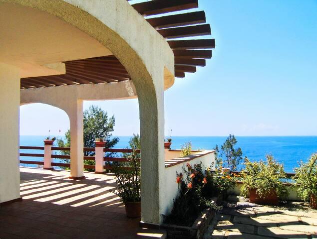 Villa Lita con discesa privata al mare