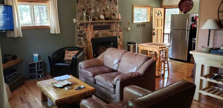 Wonderful Rustic 2 BR 1 BA Cabin In Pine AZ.