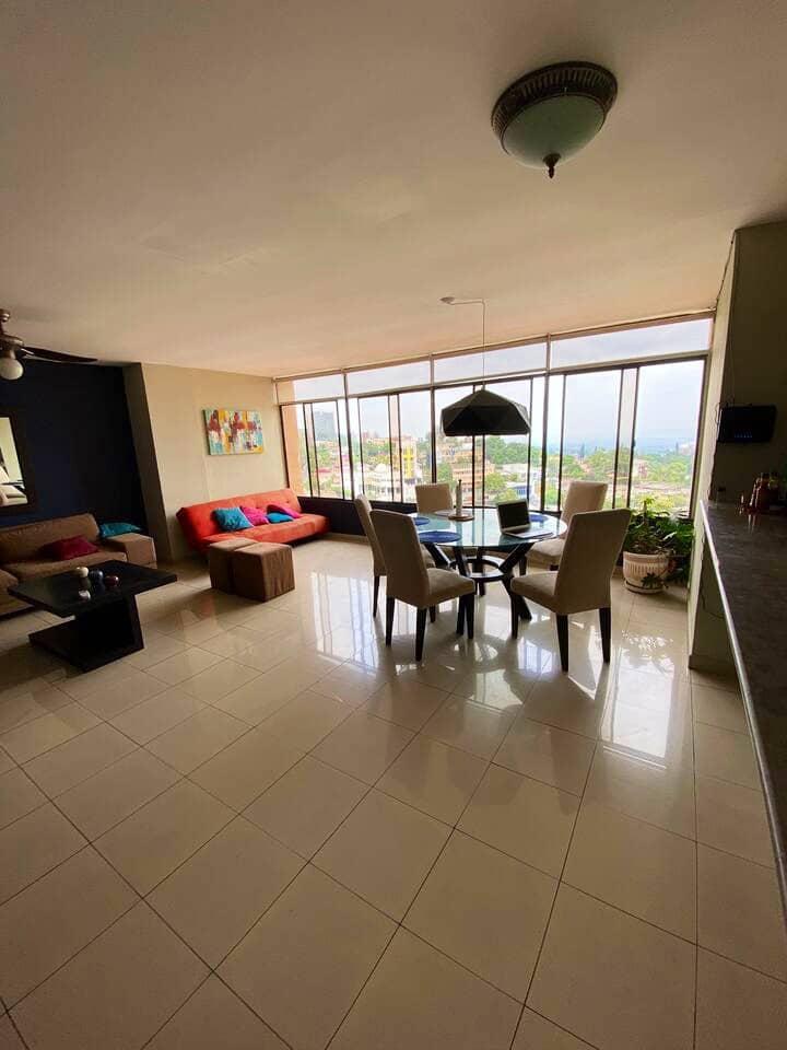 Habitación cómoda linda vista