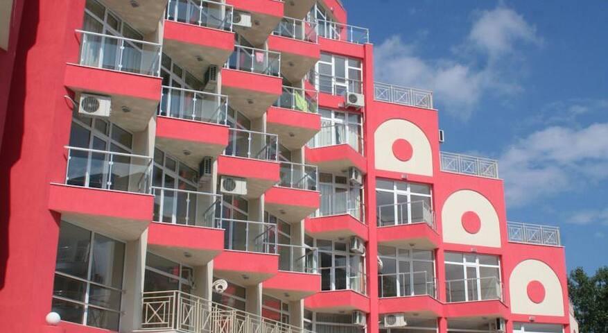 Уютные апартаменты в Rose Garden