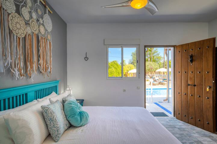 The Palms Boutique Resort | Pool Room #2